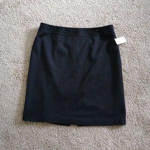 🎈 3 for $15 Tahari skirt